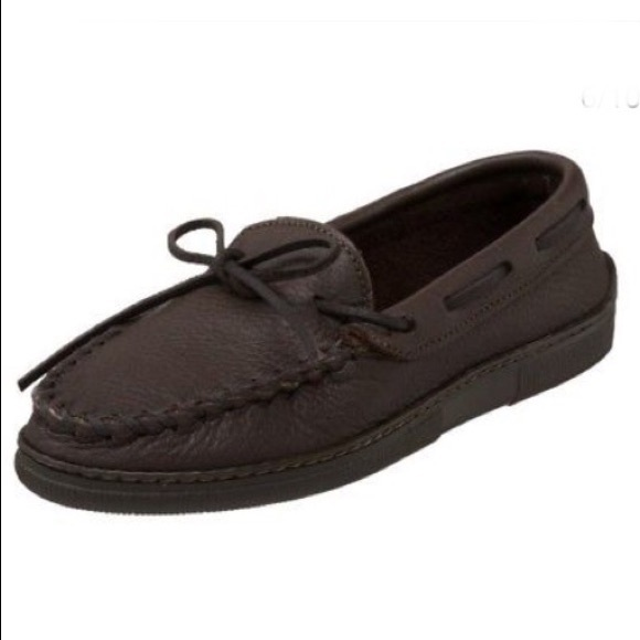 Minnetonka Shoes - Minnetonka Moosehead Leather Classic Moccasin